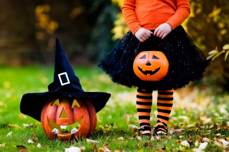 Kansas City Halloween events - jackolantern with witch hat