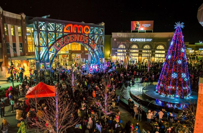 Holiday lighting ceremonies in Kansas City - Legends Outlet Center with Christmas lights