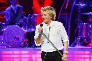 Big Concert Ticket Discount: Rod Stewart with Cyndi Lauper