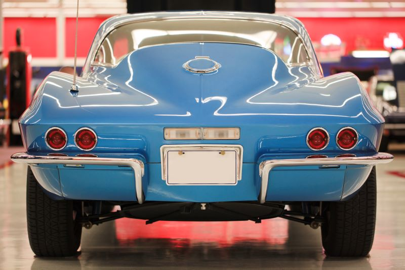 Kansas City Car shows - classic blue corvette