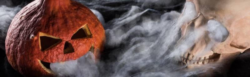 Worlds of Fun Halloween Haunt - evil jack-lantern with smoke