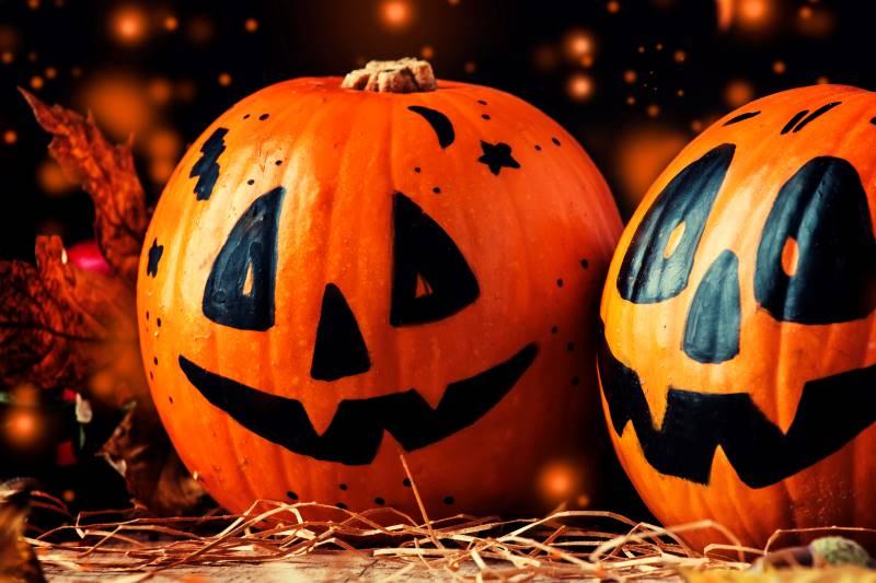 Kansas City Halloween - festive smiling pumpkins