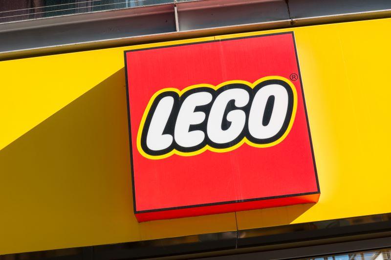 legoland kansas city holiday bricktacular - lego logo