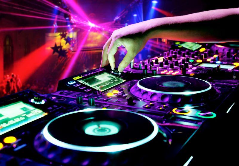Kansas City Valentine's Events - DJ mix equipment