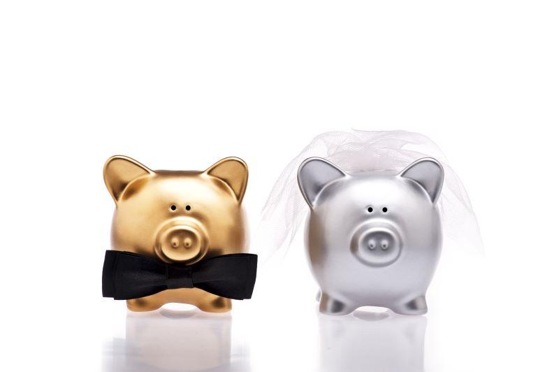 Kansas City Bridal Fairs and Expos - bride and groom piggy banks