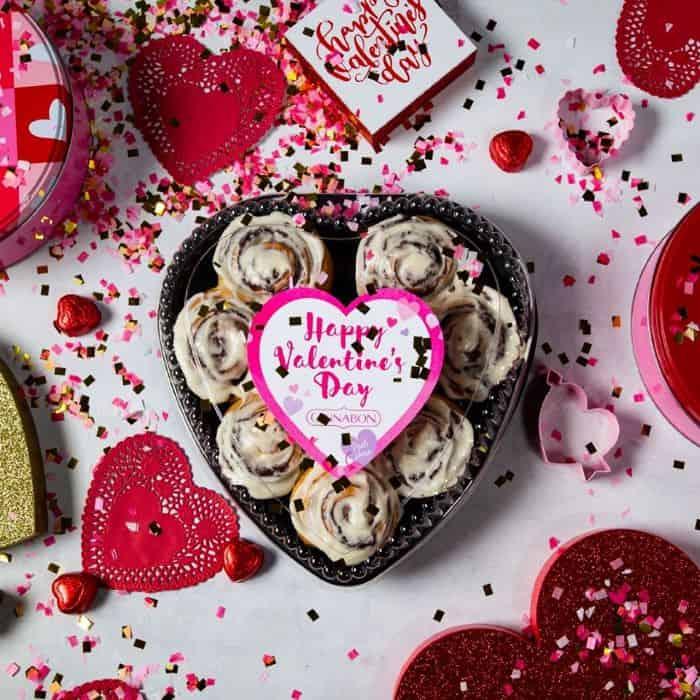Valentine's Day Restaurant Deals in Kansas City - heart shaped cinnamon rolls