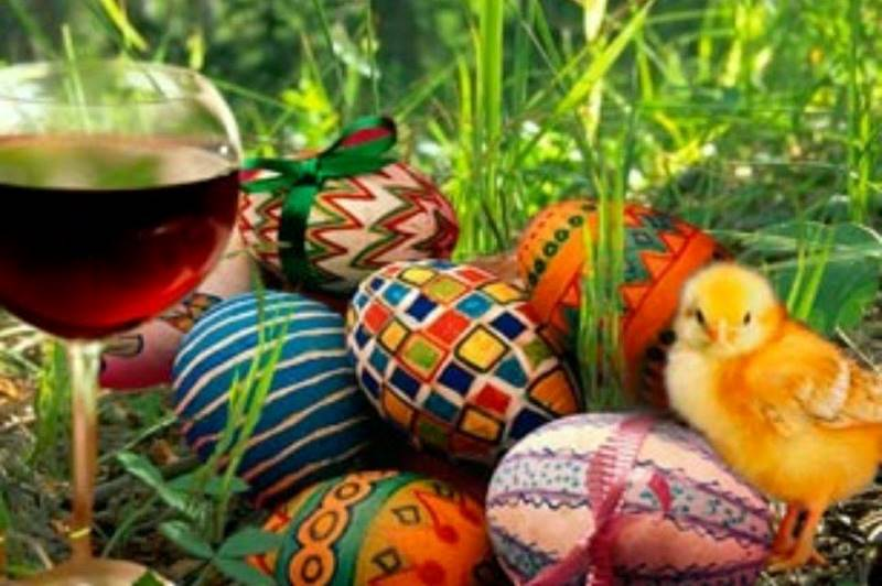 Easter Egg Hunts & Events in Kansas City - wine glass with eggs