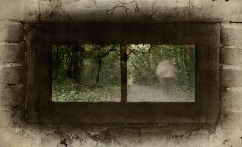 Kansas City ghost tours - old window