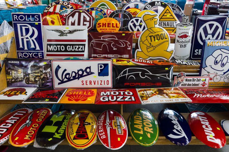 KC Auto Museum - car company emblems