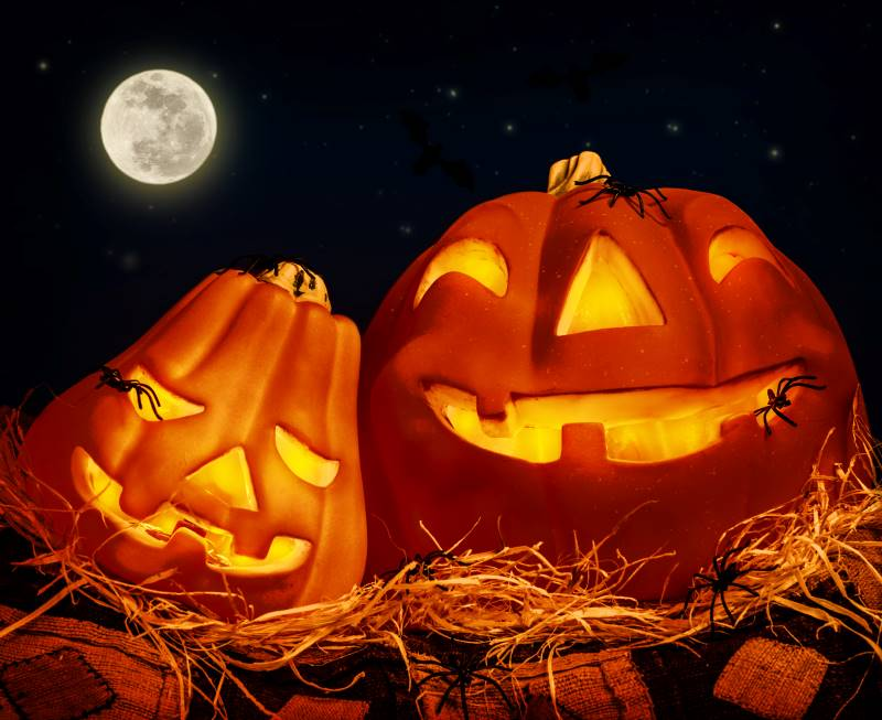 Glowing jack-o-lanterns at KC Parks Halloween Events